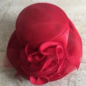 Elegant, laced/feathered, Red Hat